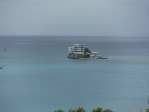 Dunbar Rock is a high end dive resort.  Anchored beside this, we enjoyed the fantastic snorkeling